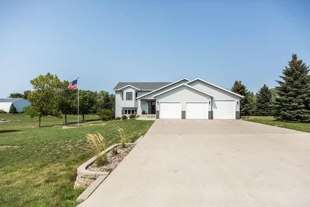 5366 Ridgewood Drive, Bismarck, ND 58501 (MLS #412303) :: Trademark Realty