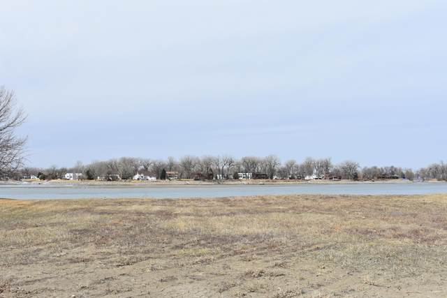 912 & 914 Southport Loop, Bismarck, ND 58504 (MLS #410316) :: Trademark Realty