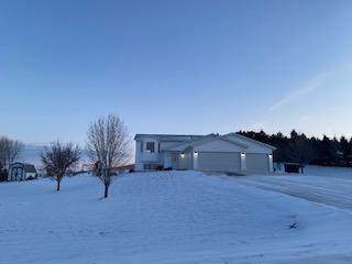 2432 Telluride Lane, Bismarck, ND 58503 (MLS #409872) :: Trademark Realty