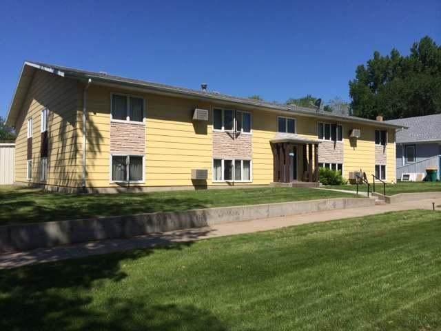 420 14th Street, Bismarck, ND 58501 (MLS #408473) :: Trademark Realty