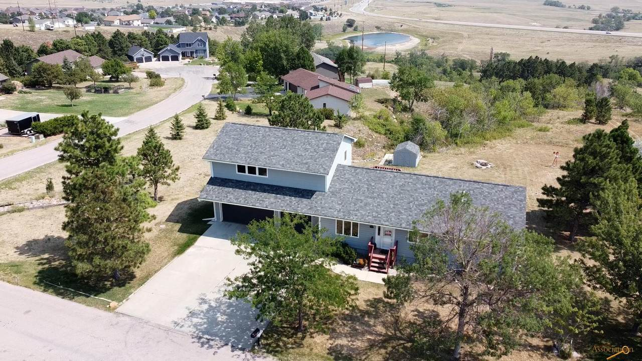 932 Ridgeview Ct - Photo 1
