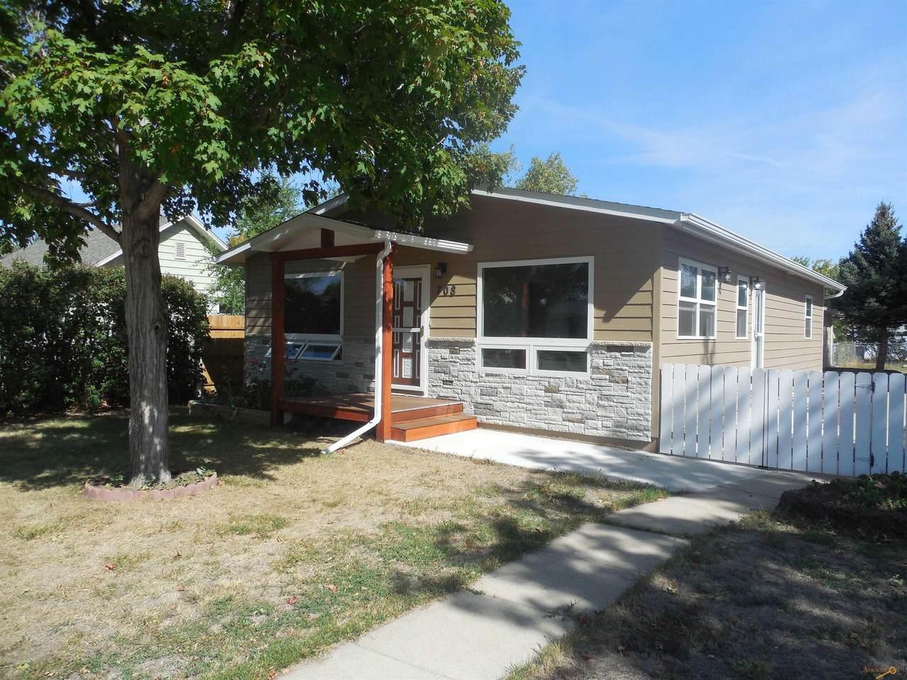 708 Holcomb Ave - Photo 1