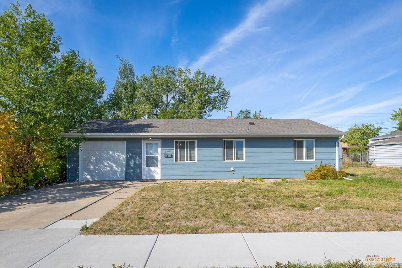 2701 Willow Ave - Photo 1
