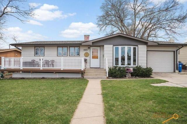 4621 Wentworth Dr, Rapid City, SD 57702 (MLS #138752) :: Christians Team Real Estate, Inc.