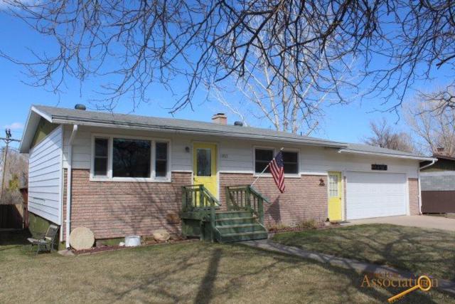 1002 E St, Edgemont, SD 57735 (MLS #143449) :: Christians Team Real Estate, Inc.