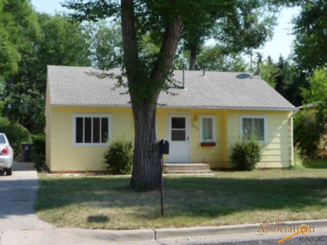 2036 2ND AVE, Rapid City, SD 57702 (MLS #146480) :: Dupont Real Estate Inc.