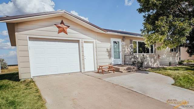804 Hustead St, Wall, SD 57790 (MLS #150587) :: Dupont Real Estate Inc.