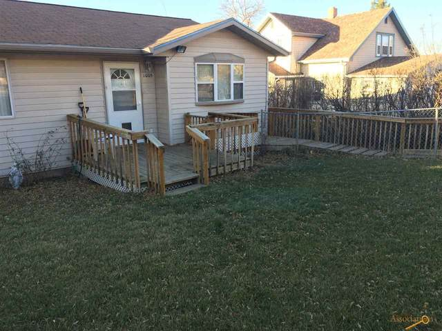 1005 Silverleaf Ave, Rapid City, SD 57701 (MLS #152283) :: Dupont Real Estate Inc.