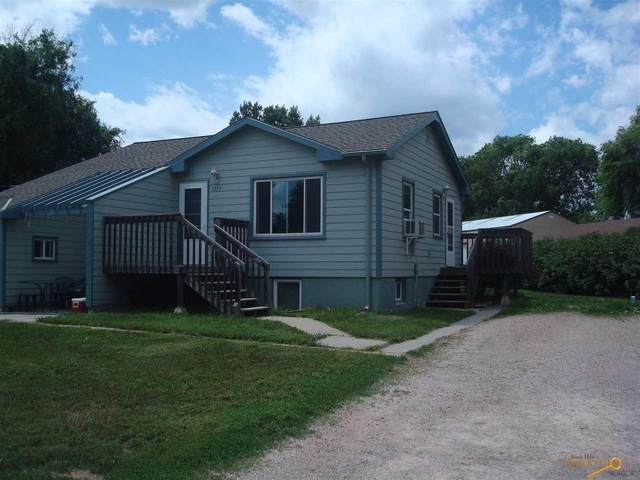 3273 Pioneer Dr, Rapid City, SD 57703 (MLS #155128) :: Dupont Real Estate Inc.