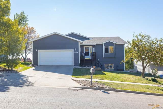 1027 Park Hill Dr, Rapid City, SD 57701 (MLS #156568) :: Christians Team Real Estate, Inc.