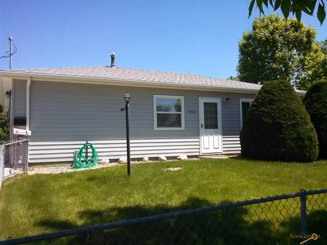 1410 Woodlawn Dr, Rapid City, SD 57701 (MLS #151022) :: Dupont Real Estate Inc.