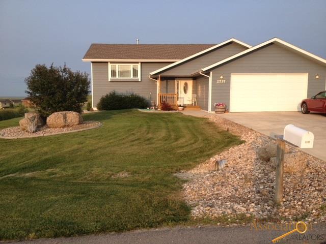 2737 Wild Horse Dr, Rapid City, SD 57703 (MLS #138339) :: Christians Team Real Estate, Inc.