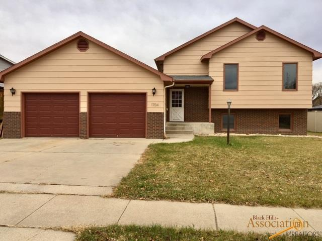 1704 Copperdale Dr, Rapid City, SD 57703 (MLS #141398) :: Christians Team Real Estate, Inc.