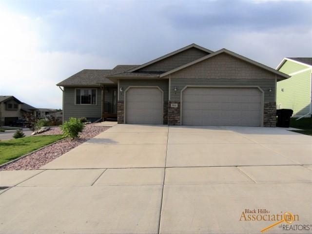 901 Gainsboro Dr, Rapid City, SD 57701 (MLS #142896) :: Christians Team Real Estate, Inc.