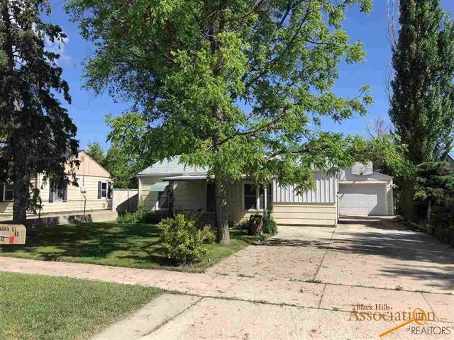 132 St Francis, Rapid City, SD 57701 (MLS #144628) :: Christians Team Real Estate, Inc.