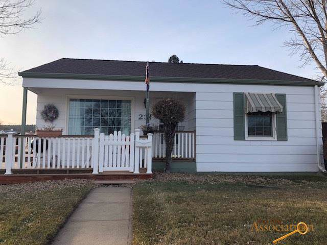 231 Nordby Ln, Rapid City, SD 57702 (MLS #146823) :: Christians Team Real Estate, Inc.