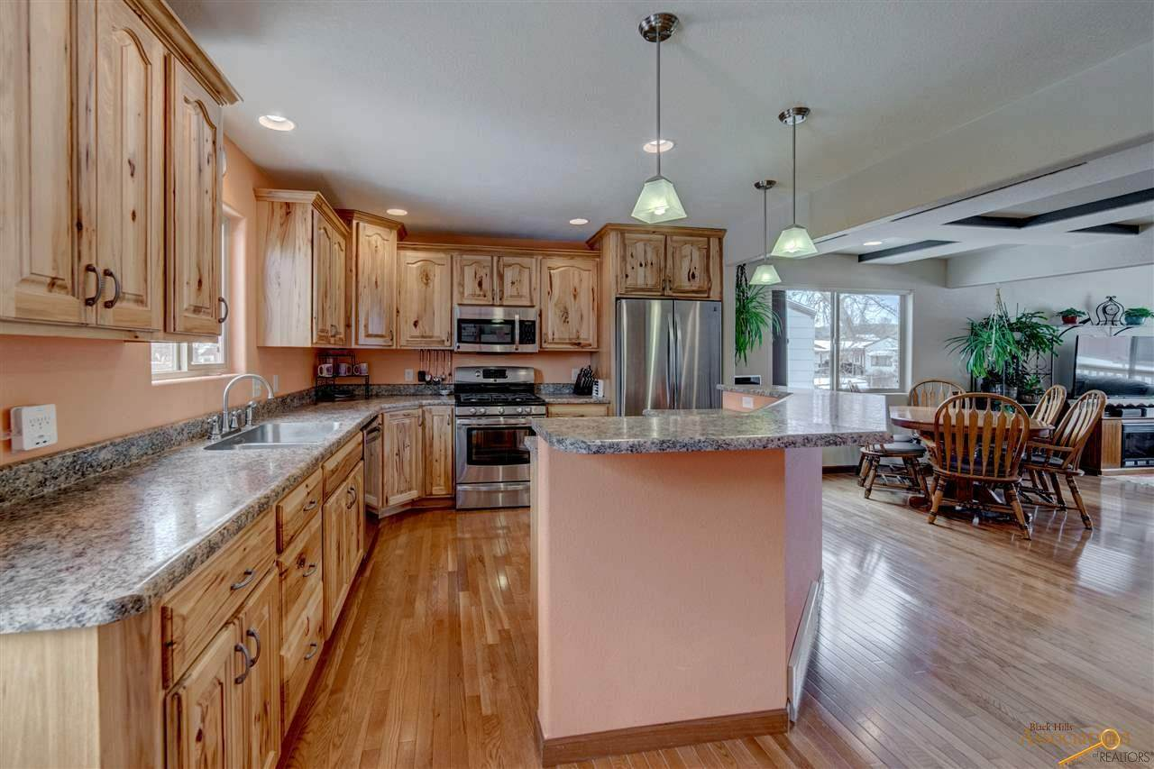 2208 7TH AVE - Photo 1