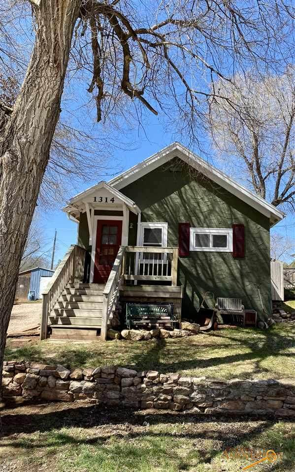 1314 Scofield St, Hot Springs, SD 57747 (MLS #149095) :: Dupont Real Estate Inc.