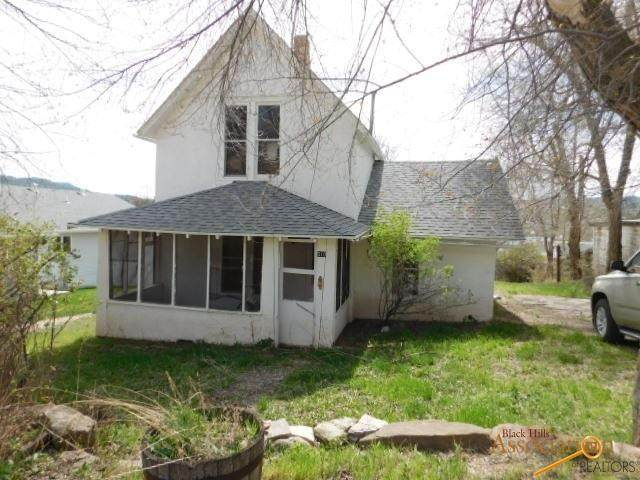 310 S 4TH AVE, Hot Springs, SD 57747 (MLS #149462) :: VIP Properties