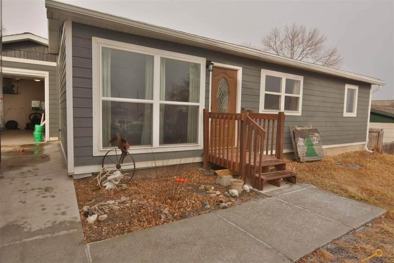2105 Hoefer Ave - Photo 1