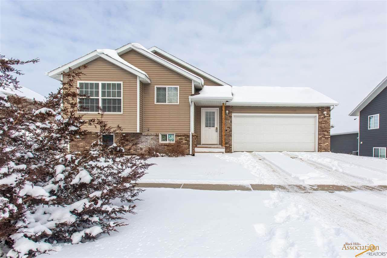 622 Country Rd - Photo 1