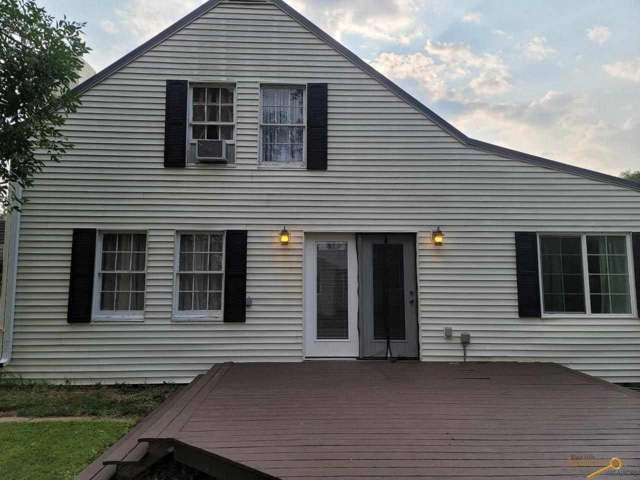 1710 Albany Ave - Photo 1