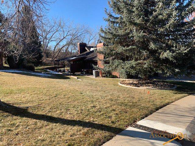 3357 Broadmoor Dr, Rapid City, SD 57702 (MLS #146658) :: Dupont Real Estate Inc.