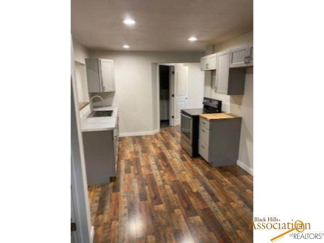 823 Lemmon Ave, Rapid City, SD 57701 (MLS #150348) :: Dupont Real Estate Inc.