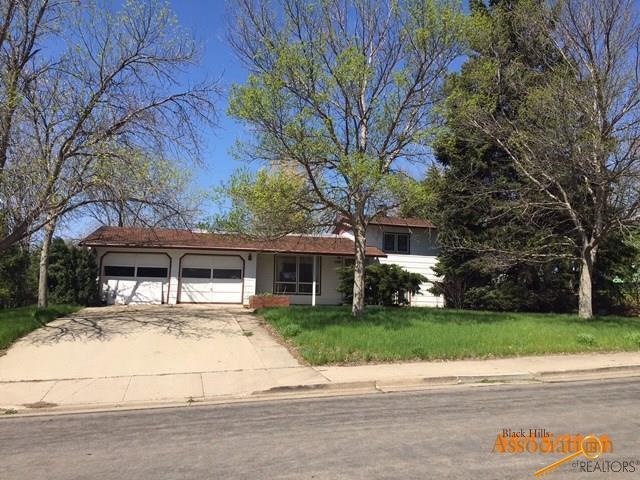1109 N Grand Blvd, Pierre, SD 57501 (MLS #142767) :: Christians Team Real Estate, Inc.
