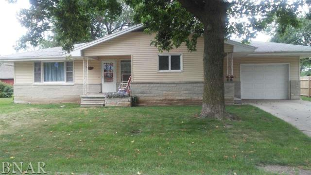 301 S East St, Waynesville, IL 61778 (MLS #2173142) :: The Jack Bataoel Real Estate Group