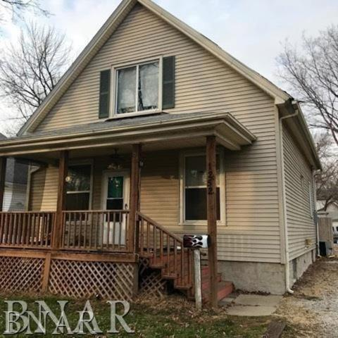 1252 E Main, Decatur, IL 62521 (MLS #2183780) :: Janet Jurich Realty Group
