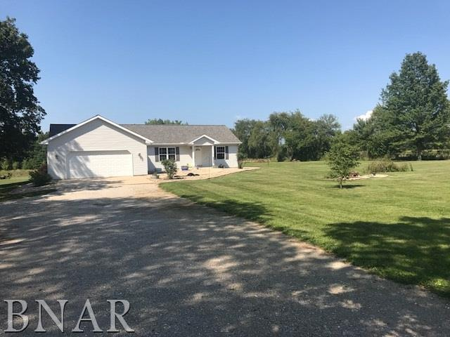 7793 Sparrow Rd, Hopedale, IL 61747 (MLS #2173290) :: Janet Jurich Realty Group