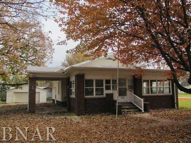 210 S Buck Street, Leroy, IL 61752 (MLS #2174333) :: The Jack Bataoel Real Estate Group