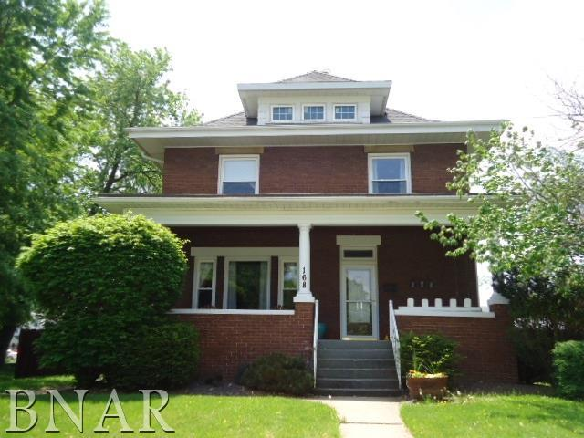 168 W Third St, El Paso, IL 61738 (MLS #2180684) :: Janet Jurich Realty Group