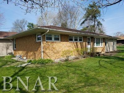 221 S Lincoln, Toluca, IL 61369 (MLS #2180861) :: Janet Jurich Realty Group