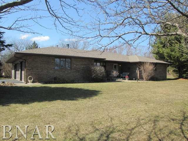 100 Cardinal Drive, Leroy, IL 61752 (MLS #2181012) :: Berkshire Hathaway HomeServices Snyder Real Estate