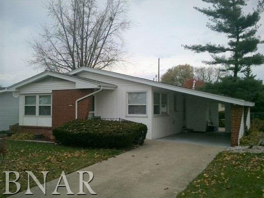 214 Robinhood Lane, Bloomington, IL 61701 (MLS #2181064) :: BNRealty