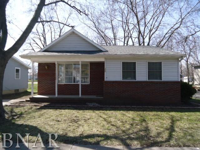 305 E 4th St, Gridley, IL 61744 (MLS #2181402) :: Janet Jurich Realty Group