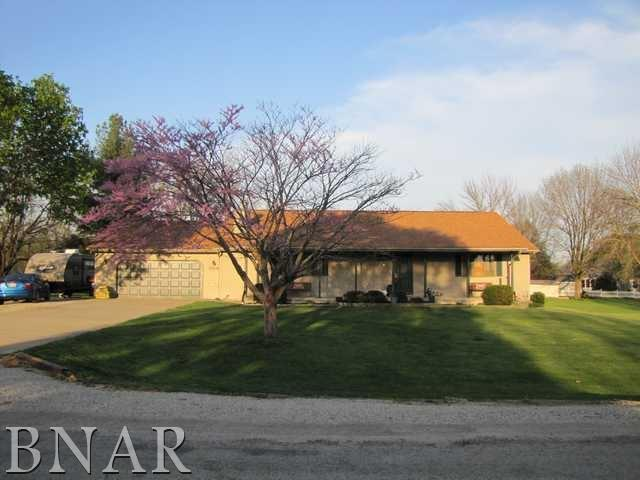 309 Blue Jay Drive, Leroy, IL 61752 (MLS #2181752) :: The Jack Bataoel Real Estate Group