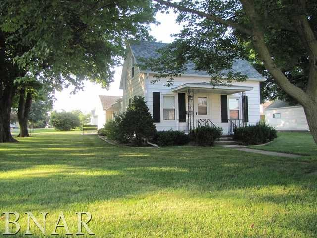 411 W Green Street, Leroy, IL 61752 (MLS #2182835) :: Janet Jurich Realty Group