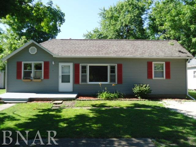 307 E 4th St, Gridley, IL 61744 (MLS #2182974) :: Janet Jurich Realty Group