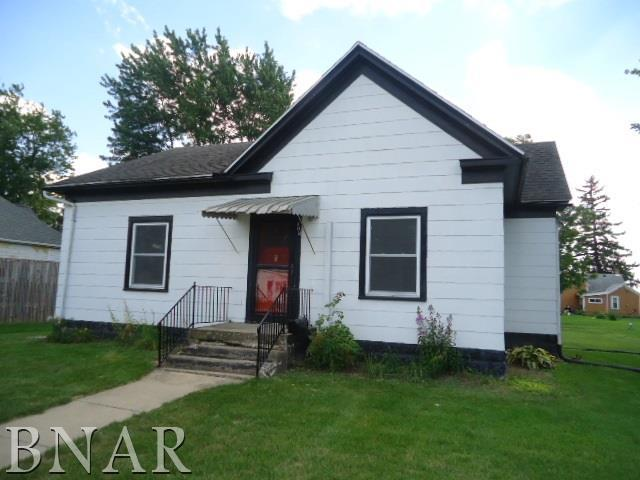 203 W 2nd St, Gridley, IL 61744 (MLS #2183631) :: Janet Jurich Realty Group