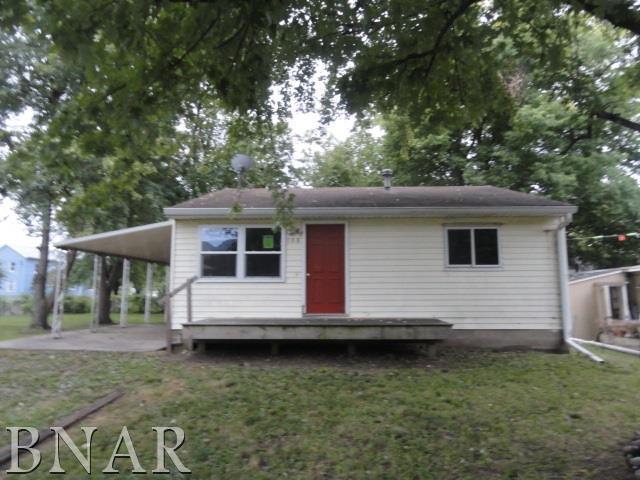 108 W Sixth St, Delavan, IL 61734 (MLS #2183979) :: Janet Jurich Realty Group
