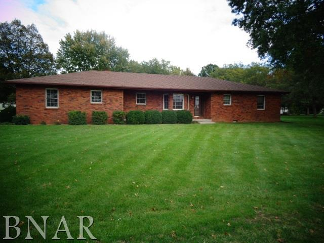 201 Blue Jay Drive, Leroy, IL 61752 (MLS #2184091) :: Berkshire Hathaway HomeServices Snyder Real Estate