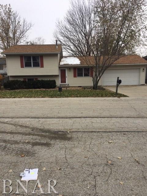 19 Edgewood Ct, Bloomington, IL 61701 (MLS #2184374) :: Jacqui Miller Homes