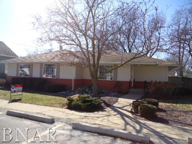 411 N Center St, Gridley, IL 61744 (MLS #2180650) :: Janet Jurich Realty Group