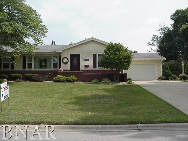 505 Delmar Lane, Bloomington, IL 61701 (MLS #2183505) :: Janet Jurich Realty Group