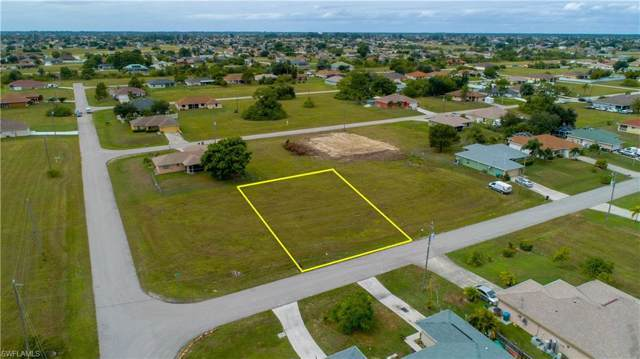 1206 NE 7th Pl, CAPE CORAL, FL 33909 (MLS #219068158) :: Clausen Properties, Inc.