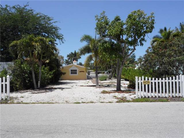 27575 Big Bend Rd, BONITA SPRINGS, FL 34134 (#219084834) :: The Dellatorè Real Estate Group