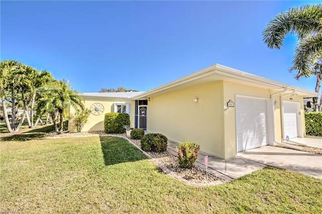 8629 Flores Ct, FORT MYERS, FL 33907 (#220005544) :: The Dellatorè Real Estate Group
